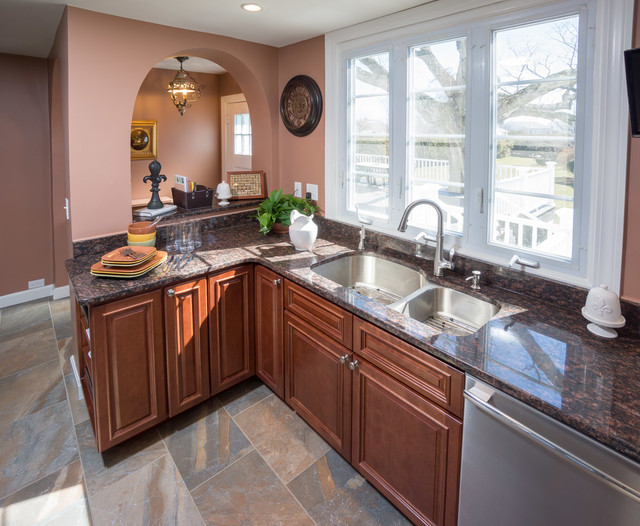 Cranston, RI - Kitchen Remodel traditional-kitchen