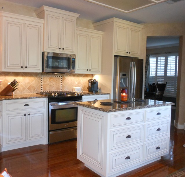 kitchen cabinets cream with glaze glazed cabinets 20238
