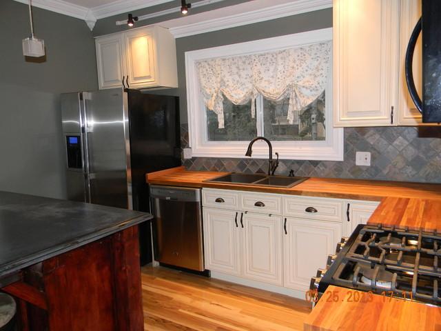 Cream Maple Glaze - Chicago Illinois traditional-kitchen
