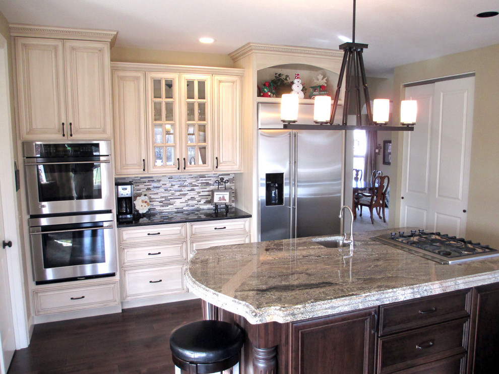 Cream Painted Cabinets With Glaze