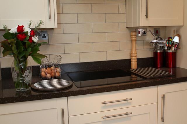 Cream shaker kitchen modern kitchen south west by for Shaker cream kitchen ideas