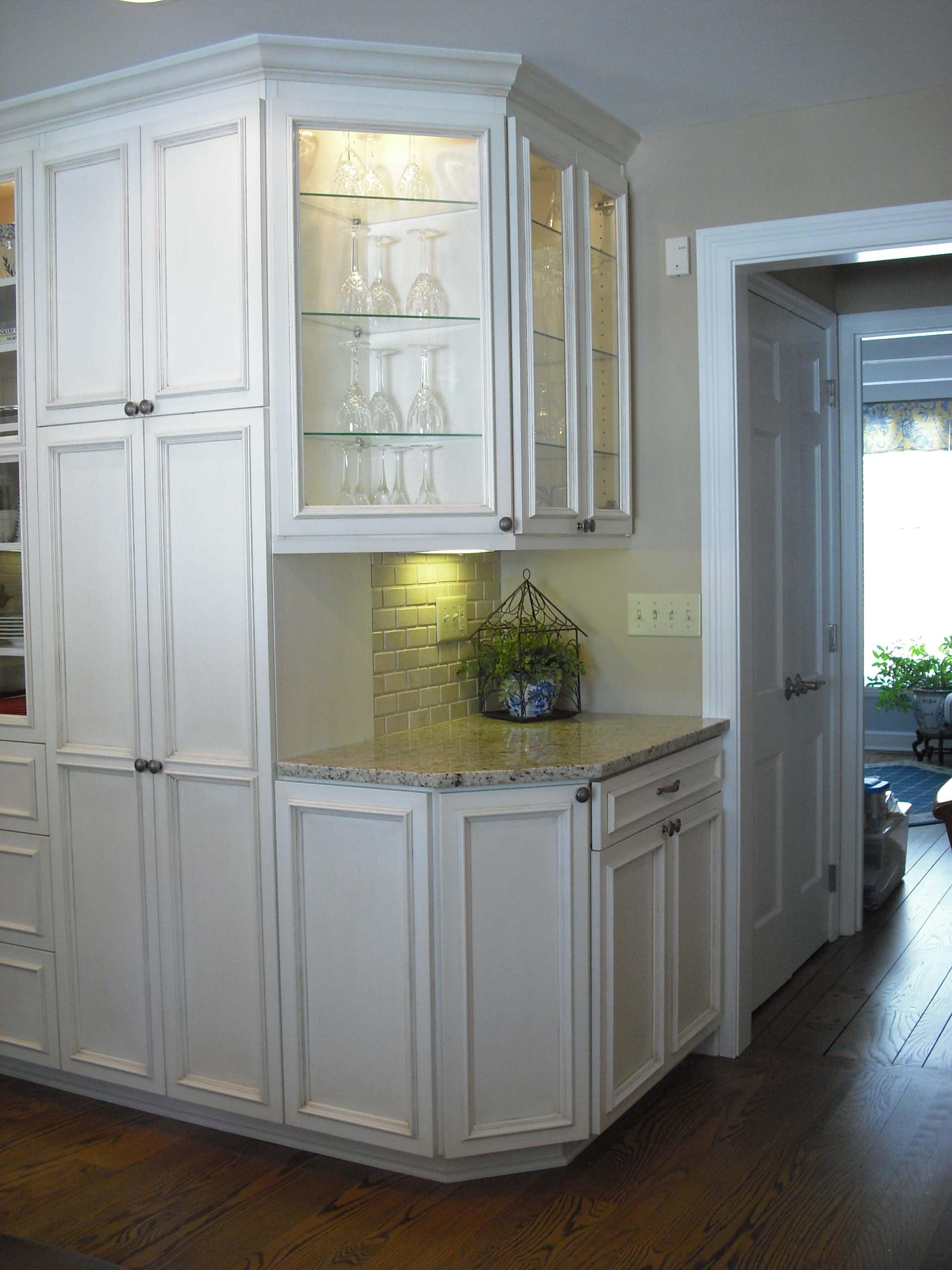 Creamy glazed kitchen/Oakwood, Ohio