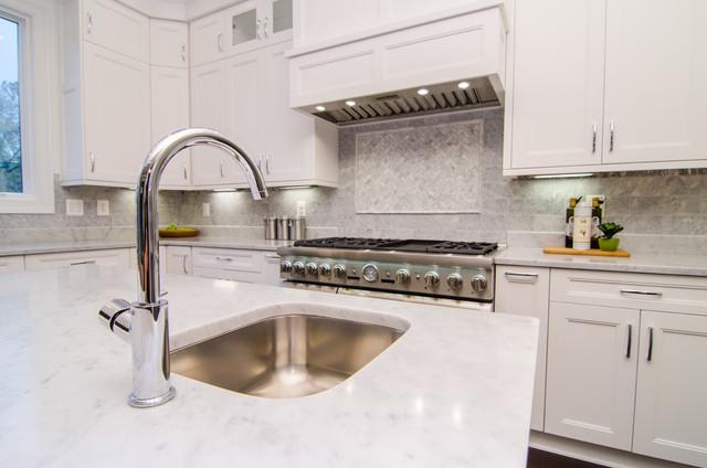 Transitional kitchen photo in DC Metro