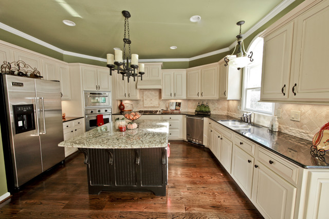 Creative cabinets and faux finishes llc traditional for Atlanta ga kitchen cabinets