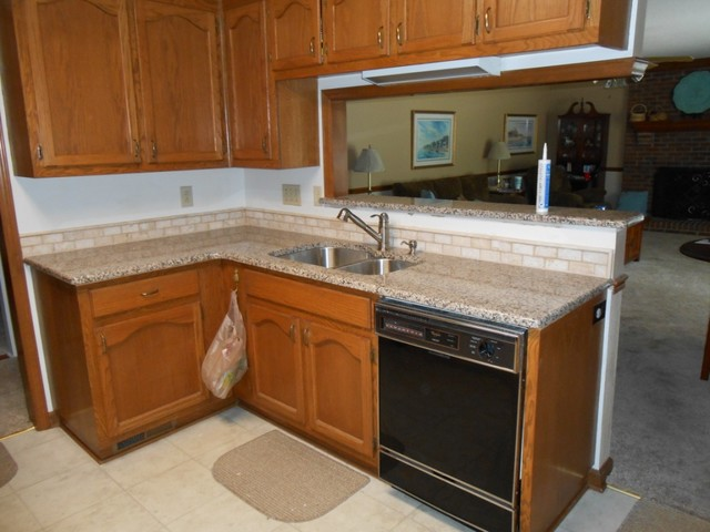 Kitchen cabinets in charlotte nc - Creme Caramel Granite Traditional Kitchen Charlotte