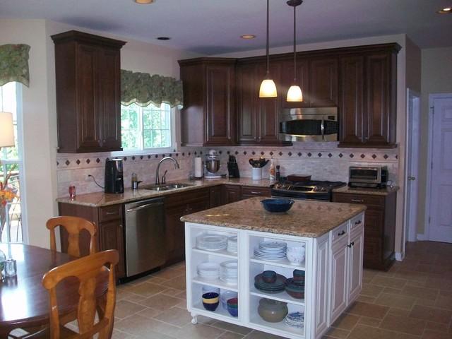 Crieve Hall Kitchen - Traditional - Kitchen - nashville - by Terri Sears, Kitchen and Bath Designer