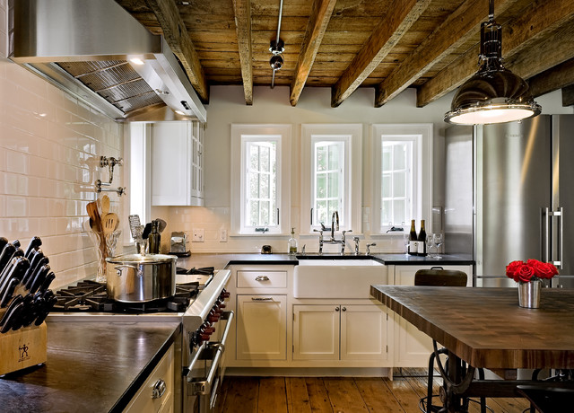 Crisp Architects farmhouse kitchen
