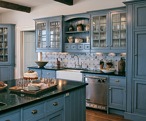 Dutch Blue Dominates This Kitchenu0027s Cabinetry