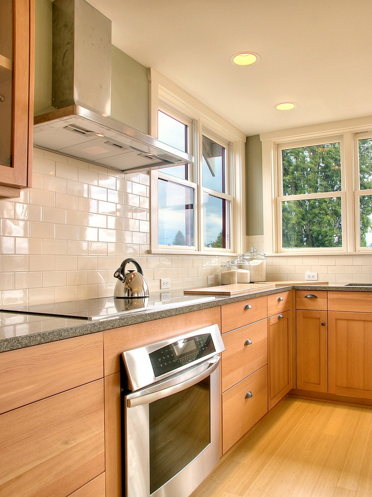 Inspiration for a timeless kitchen remodel in Seattle with stainless steel appliances