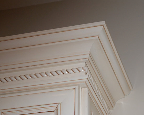 Stacked Crown Molding Design Ideas, Pictures, Remodel and Decor