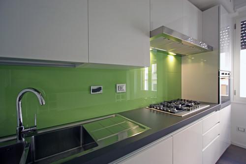 Mi piace molto il rivestimento verde - Cucina verde acido ...