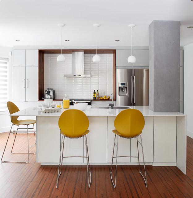 Cuisine moderne blanche white modern kitchen for Cuisine moderne montreal