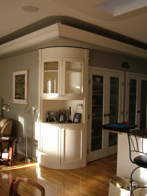 Curved curio - Traditional - Kitchen - other metro - by Rochelle Lynne Design
