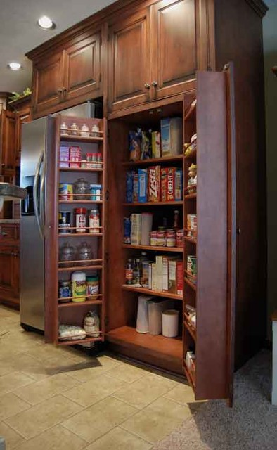 Custom Amish Cabinetry traditional-kitchen