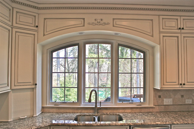 Custom arched valance traditional kitchen chicago for Arched kitchen window treatment ideas