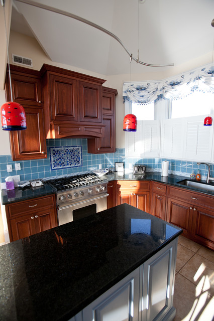 Custom Beach Homes, Long Beach Island, NJ, Jones Contracting, Inc. traditional-kitchen