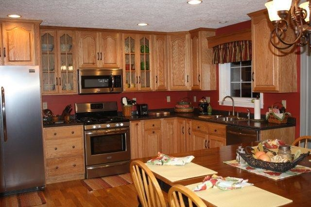 Custom Cabinetry traditional-kitchen