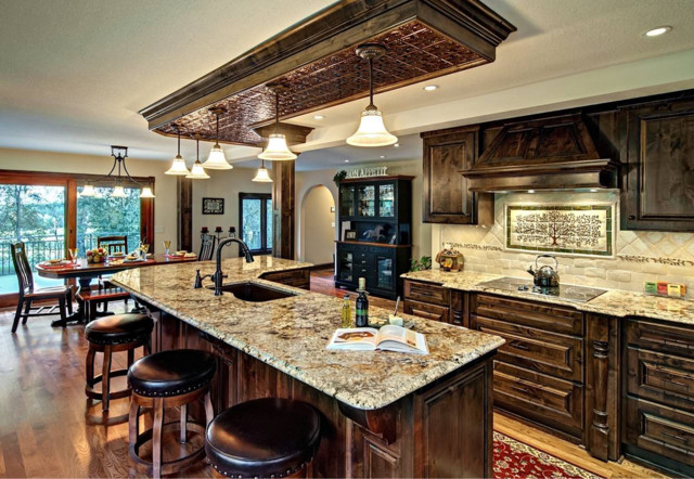 Custom Cabinets traditional-kitchen