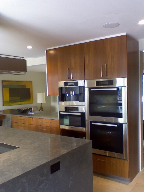 Custom cabinets for kitchens and baths austin texas for Austin kitchen cabinets