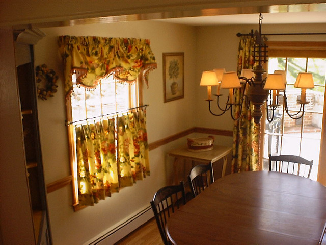 Custom Cafe Curtain with Valance and Panels traditional-kitchen