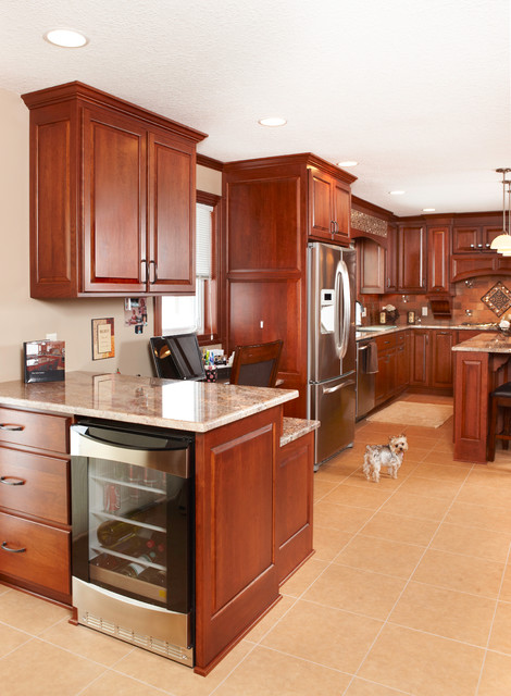 Custom cherry cabinets juparana bordeaux granite for Cherry bordeaux kitchen cabinets