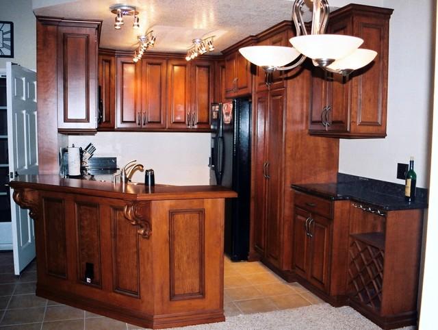 Custom design traditional-kitchen