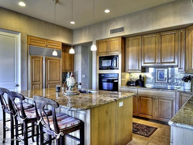 Custom Home, Fountain Hills,AZ traditional-kitchen