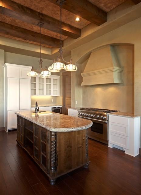 Custom Home in Waterford on Lake Travis mediterranean-kitchen
