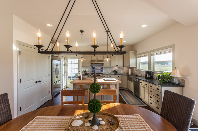 Custom homes farmhouse kitchen seattle by estes for Custom home builders seattle
