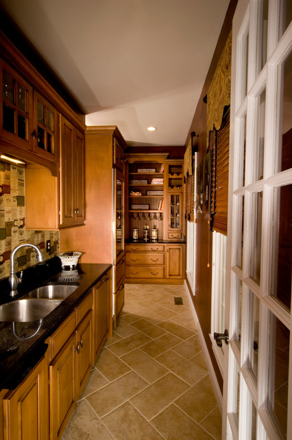 Custom Homes traditional-kitchen