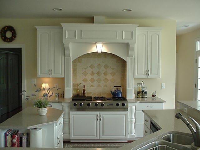 Custom Homes traditional-kitchen