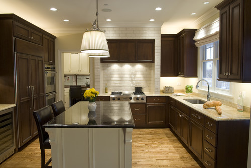 U shaped kitchen with separate pantry