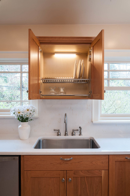 Transitional U Shaped Linoleum Floor Enclosed Kitchen Photo In Seattle With An Undermount Sink