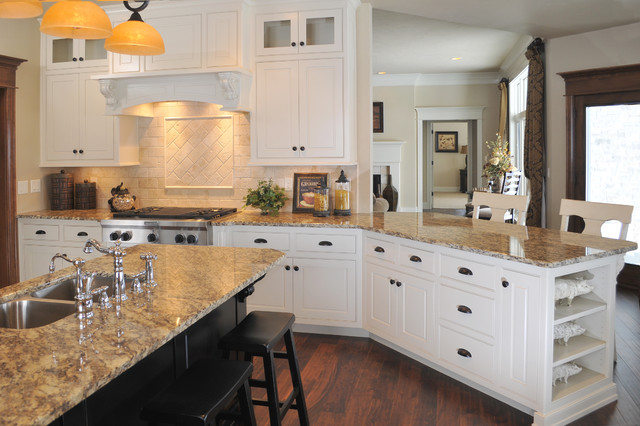 Custom Kitchen Cabinetry traditional-kitchen