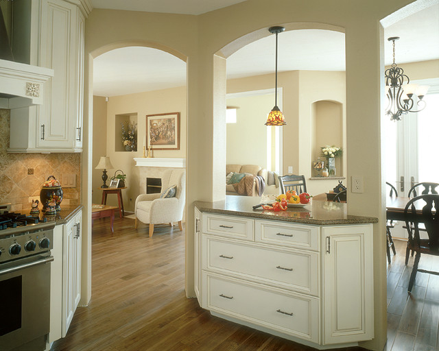 Custom Kitchen Cabinets - Traditional - Kitchen - San Diego - by IMPERIAL CUSTOM CABINETS