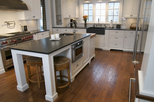 Is this a farmhouse sink made of slate, also? Love the look in photo