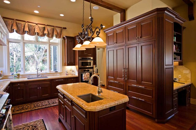 Delicieux Custom Kitchen Island Design With Sink, Bay Area Traditional Kitchen
