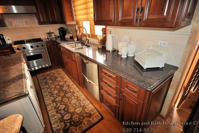 custom kitchen located in geneva il traditional