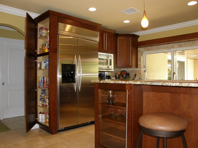 Semi custom cabinetry contemporary kitchen