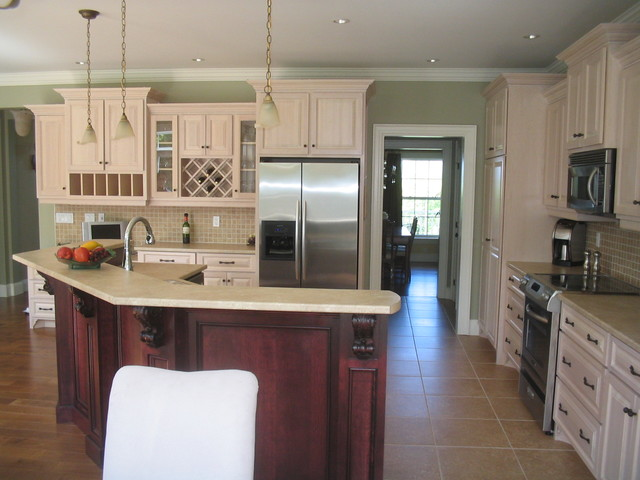 Custom Kitchens traditional-kitchen