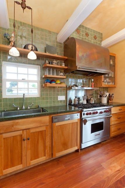Custom Kitchens traditional-kitchen