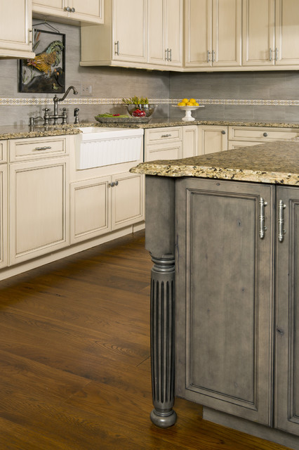 Custom Knotty Alder Kitchen Traditional Kitchen Dc