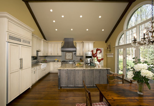 Custom Knotty Alder Kitchen traditional-kitchen