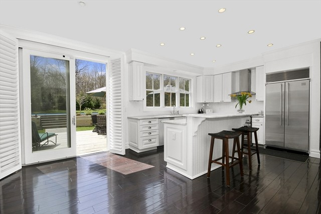 Custom modular homes the hamptons traditional for Traditional modular kitchen