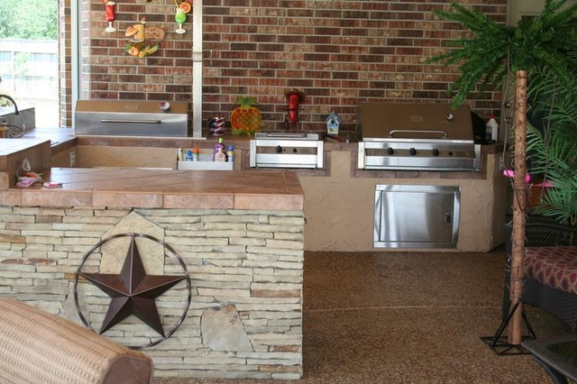 Custom outdoor kitchens kitchen houston by richard 39 s for Outdoor kitchen ideas houzz