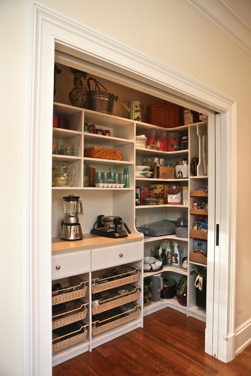 Kitchen Pantry Idea - Custom pantry traditional kitchen - Houzz