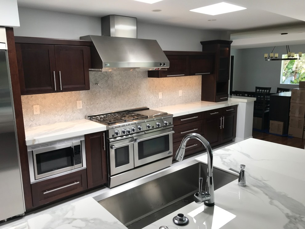 Inspiration for a transitional kitchen remodel in Phoenix