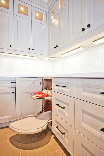 Custom Waterfront Home Barrie transitional-kitchen