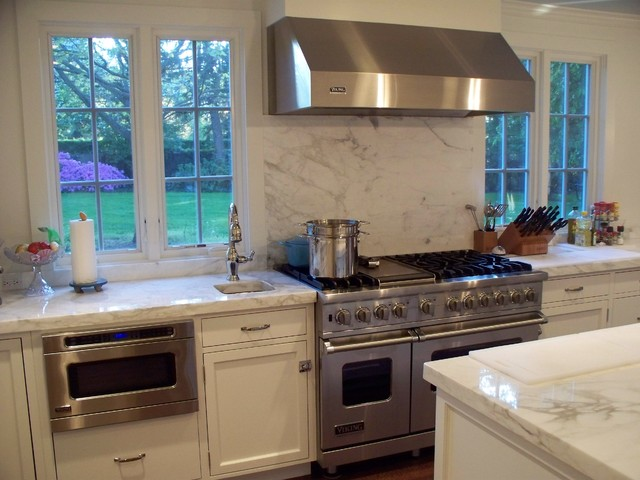Customer'S Kitchen With Viking Appliances - Traditional - Kitchen