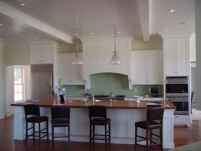 Cut glass backsplash traditional-kitchen